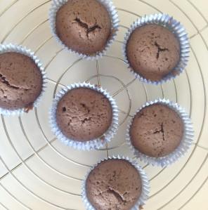 Rotwein Cupcakes ohne Frosting