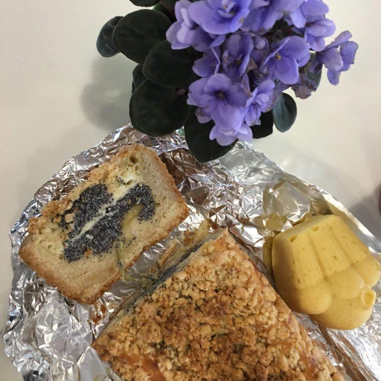 Quarkkuchen mit Mohn und Rhabarber