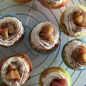 Apfel-cupcakes mit Zimt und Mascarponecreme