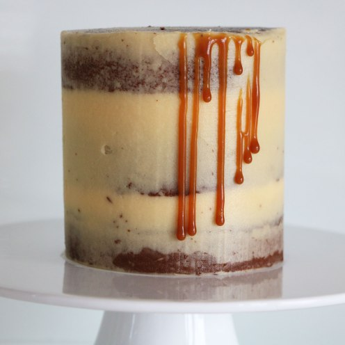 Semi-Naked Schokoladen-Caramel-Cake