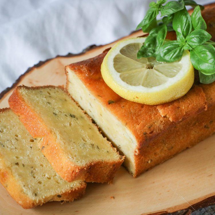 Zitronen Basilikum Cake