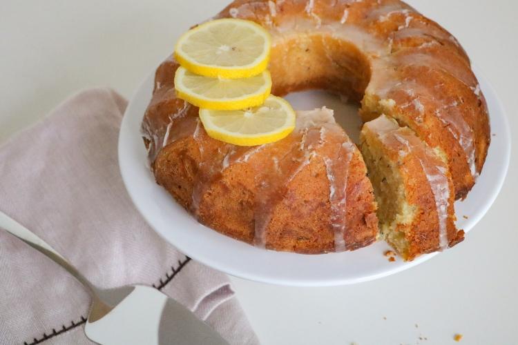 Zucchetti-Zitronen-Gugelhupf